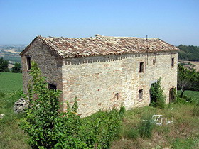 Farmhouses for sale in Le Marche