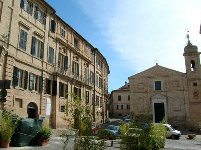 http://www.lovemarche.com/uploaded_images/recanati-italy-casa-leopardi-piazza-sabato-del-villaggio-711814.jpg